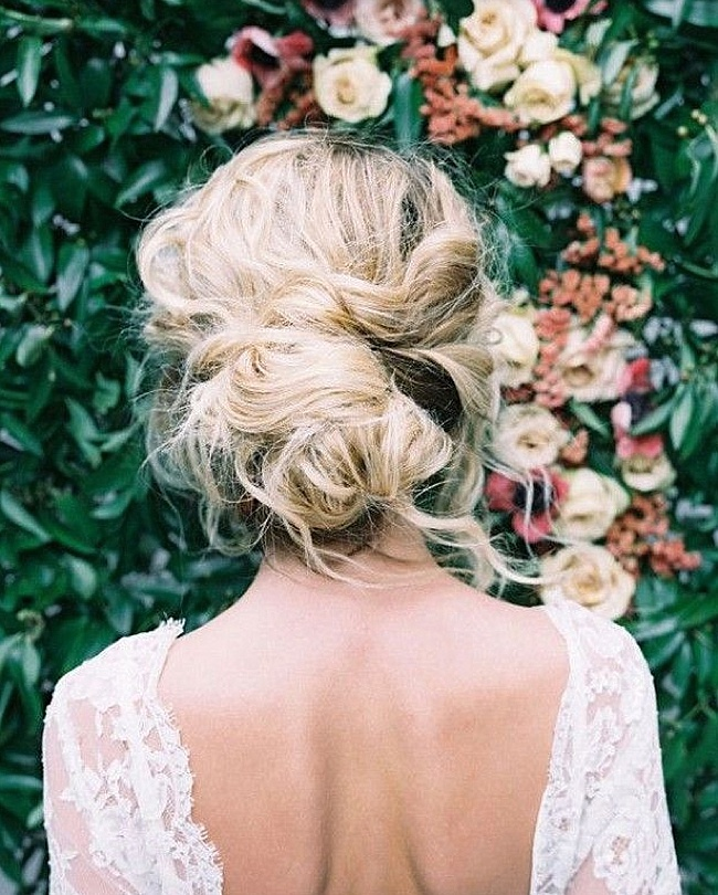 Post image for Getting Tressed {2016 Wedding Hair Trends}