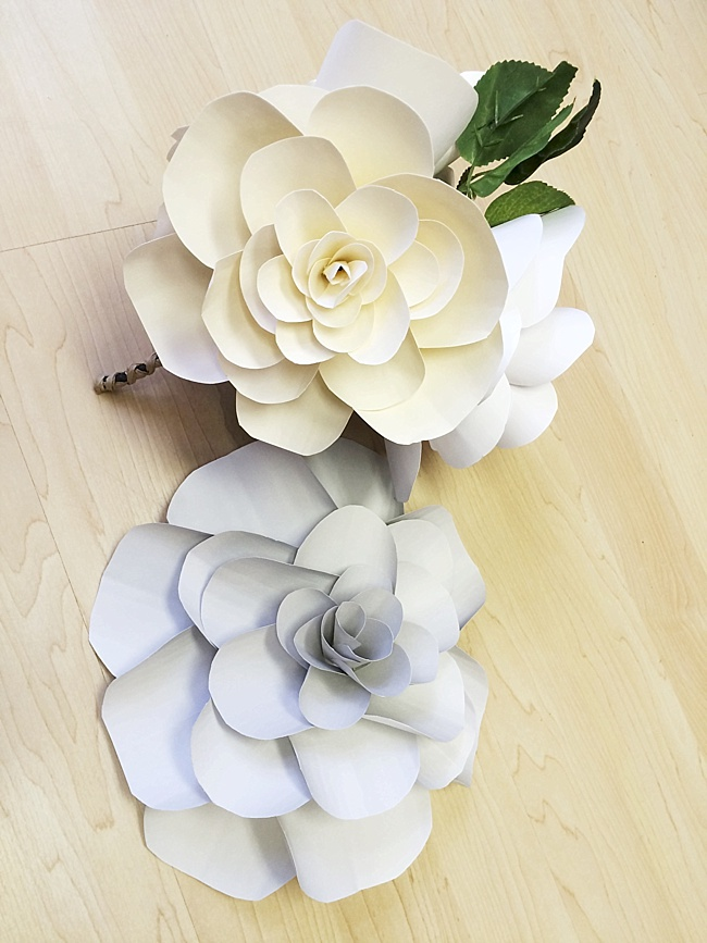 Post image for Just Add Perfume {DIY Large Paper Flower Bouquet}